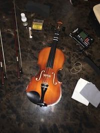 brown and black violin with bow Frederick, 21702