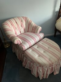 Chair and ottoman - perfect for a girls bedroom Potomac, 20854