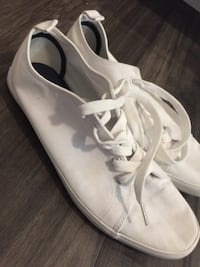 White spot shoes sz 10  534 km
