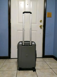 """Delsey 21"""" Rolling Luggage Raytown, 64138"""