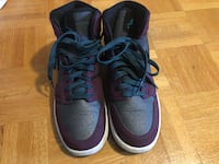 pair of blue Nike basketball shoes Mississauga, L4T 3T7