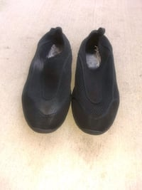 slip on shoes size 10 wore once !!