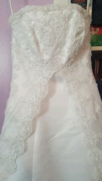 Wedding dress, cleaned and preserved. 2 years old, amazing shape!!!