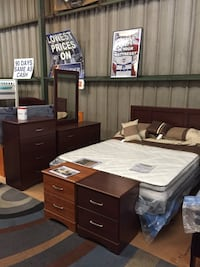 Queen or full 5 piece bedroom set - floor model