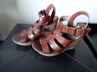 Strappy leather-like platform sandals (Size 5.5) Vancouver