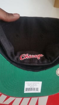 black and red Chicago bulls fitted cap