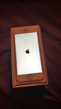 Rose gold iphone 6s with box Brantford, N3P 1V6