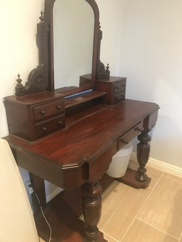 Sold Small Antique Vanity In Mountain