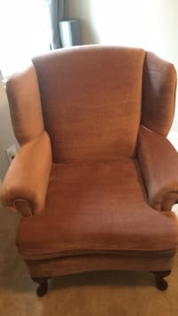 Accent chair wingback  Winnipeg, R3Y