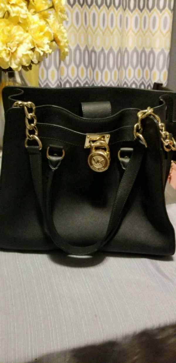 8fb6f8bbb07e Used Michael Kors 14