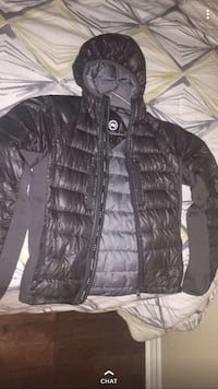 Canada goose winter jacket Richmond Hill, L4S 2T6