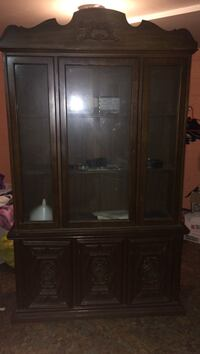 2 piece china cabinet, negotiable pricing Hyattsville, 20737