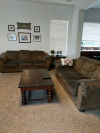 Couches Gilbert, 85295
