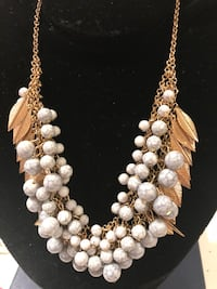 Necklace with Gold tone leaves,white/gray beads Mississauga, L5L 2S5