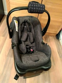 Lux carseat and base (2013) Edmonton