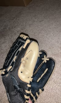 Baseball Glove - Size Medium