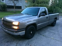 2007 Chevy Silverado 1500 w/ 8Ft Bed - Low Miles   Columbus, 43232