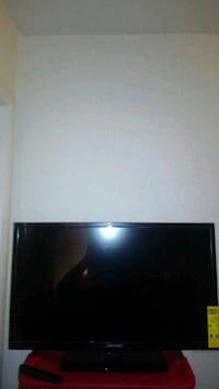32 inch element flat screen TV