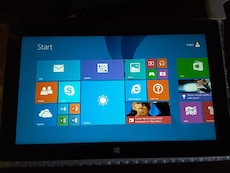 Microsoft surface 2, 32gb,  10.6in, WiFi, Bluetoot