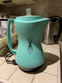 VINTAGE TURQUOISE WEST BEND PERCULATOR North Dumfries, N0B 1E0