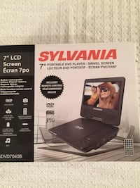"7"" Sylvania portable DVD player box"