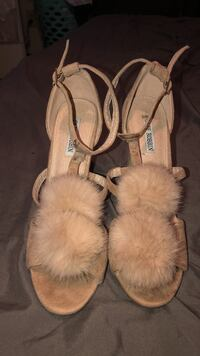 pair of brown leather flats Albuquerque, 87102