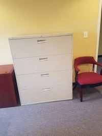 White metal 4 drawer filing cabinet Washington, 20019