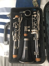 Black and gray clarinet with case Roswell, 30075