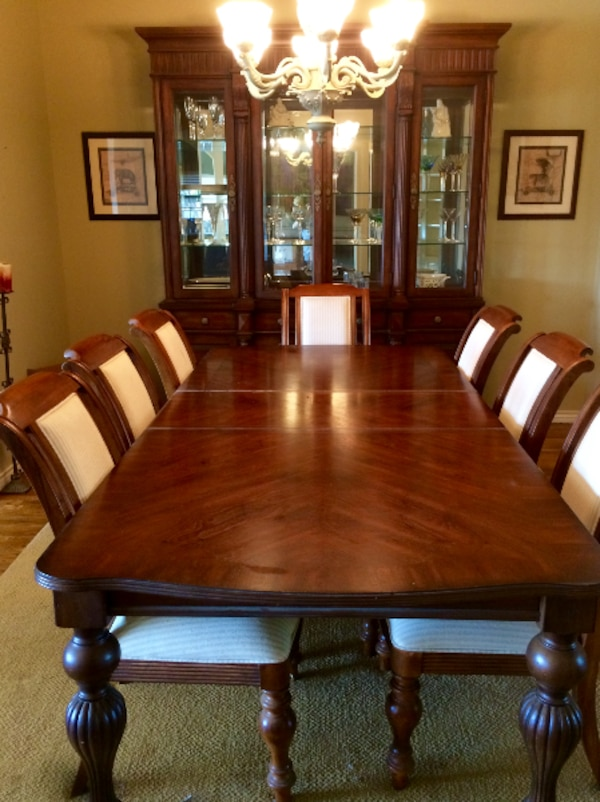 Bernhardt Dining Room Set With China Cabinet 77 Feet Tall Table Extra Leaf