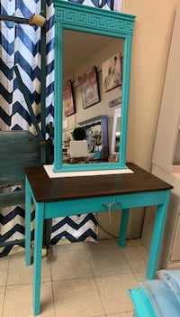 Teal vanity set  Canby, 97013