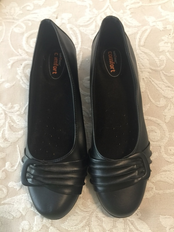 b5a67cab44ca Used Safestep nonslip work shoes 7.5 for sale in Pineville - letgo