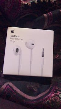 apple iphone headphones Greenbelt, 20770
