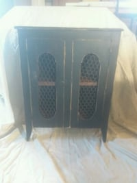 Primitive cabinet hand made Beverly, 45715