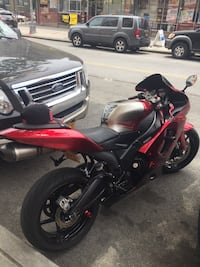 Red and black sports bike Bronx, 10458