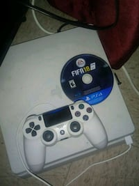 Slim ps4 and controller  Ceres, 95307