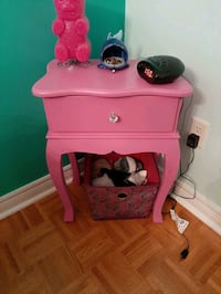 Side table/Decorative table