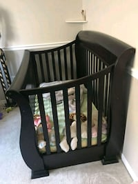 Solid Wood Crib - Converts to Double Bed Brampton, L6P