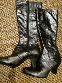 Leather boots size 6 Coquitlam