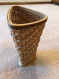 Longaberger handmade basket collectors club flower vase 2005 like new Huntsville, 35802