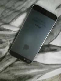 Iphone 5 chargeur compris.
