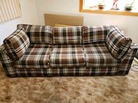 Couch with pullout bed Cincinnati, 45244