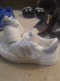 pair of white Adidas high-top sneakers Aurora, L4G