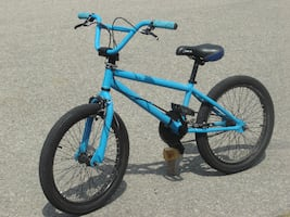 "OUTGROWN NOW BOY'S 20"" DIAMONDBACK BMX STYLE BIKE OUTGROWN NOW FOR FAST SALE $135.00 FIRM!"