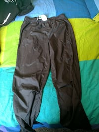 MEC light pants Niagara Falls, L2H 2X5