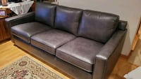 Couch / Hide a bed /sofa  Laval, H7X 3W4