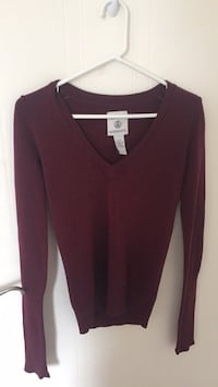 women's maroon v-neck long sleeve shirt London, N5X