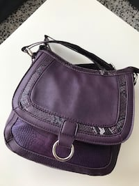 Purple shoulder bag  Guelph, N1E 6Z5