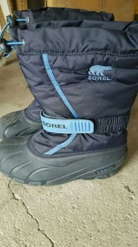 Sorel Boys Winter shoes for sale.