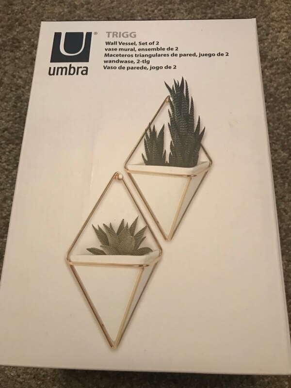 Wall vases -set of 2