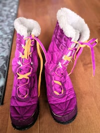Columbia Snow boots for girl size 4 Markham, L3T 5L5